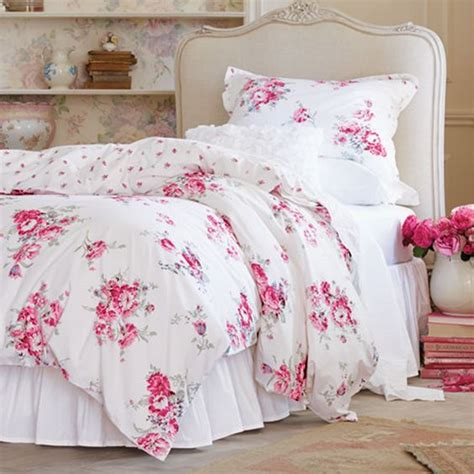 pink and white bedroom set 31 beautiful and romantic floral bedding sets digsdigs
