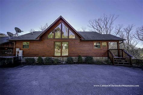 Grand Cabin Rentals by Pigeon Forge Cabin Grand Getaway 4 Bedroom Sleeps 10