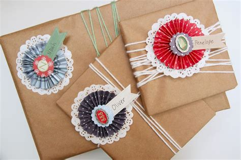 How To Make A Paper Name Tag - tutorial paper rosette gift name tags smashed peas
