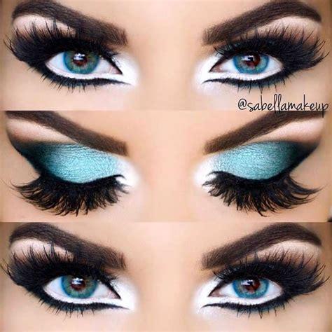 selecting  eyeliner styles