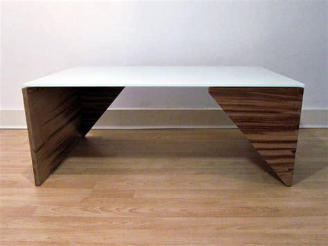 Minimal Table Design by Massively Minimal Yanko Design