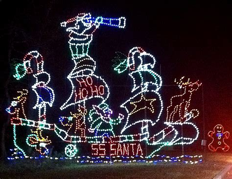 myrtle beach christmas lights restaurants attractions open christmas eve day in