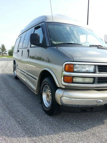 how to sell used cars 2001 chevrolet express 1500 free book repair manuals sell used 2001 chevrolet express g1500 family conversion tv vcr leather no reserve in staten