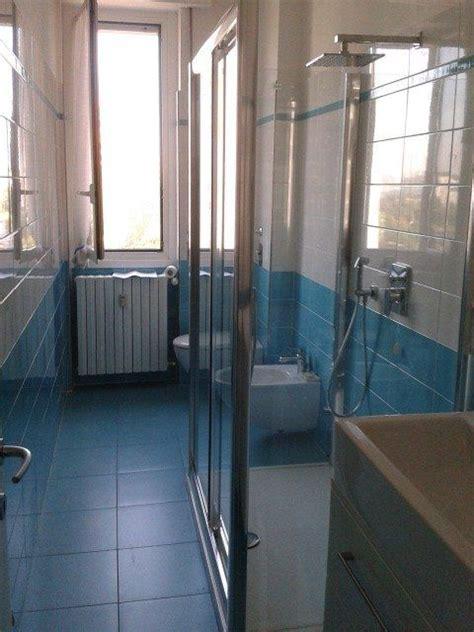 bagni stretti e lunghi 17 migliori idee su bagni con doccia su bagni