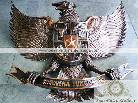 Odiaz Jam Dinding Lambang Garuda lambang garuda pancasila dari tembaga dan kuningan