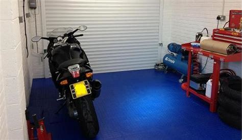 Garage Tiles Uk by Garage Flooring Garage Floor Tiles Uk