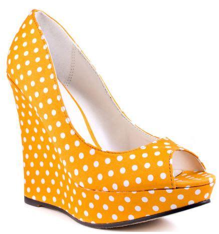 Wedges Ht 01 Polkadot Hitam 26 michael antonio yellow polka dot wedges gt shoeperwoman