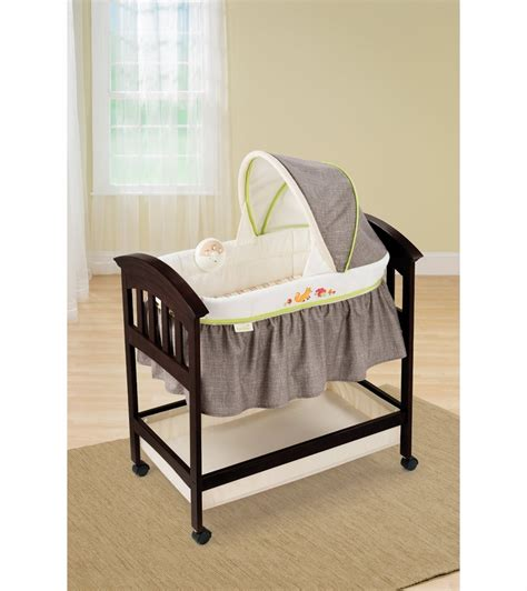 summer infant classic comfort wood high chair summer infant fox friends classic comfort wood bassinet