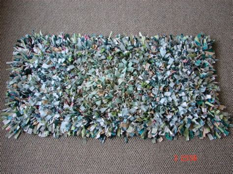 Make Rag Rug by How To Make Quot Shag Quot Rag Rugs