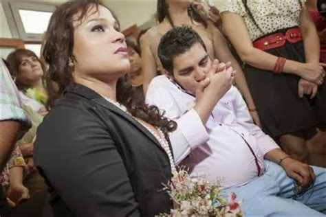 lade reer gives birth to baby in argentina