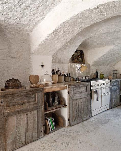taburete del siglo xviii una casa en la provenza francesa nuevo estilo