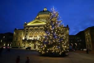 weihnachtsbaum auf dem bundesplatz so k 246 nnte er