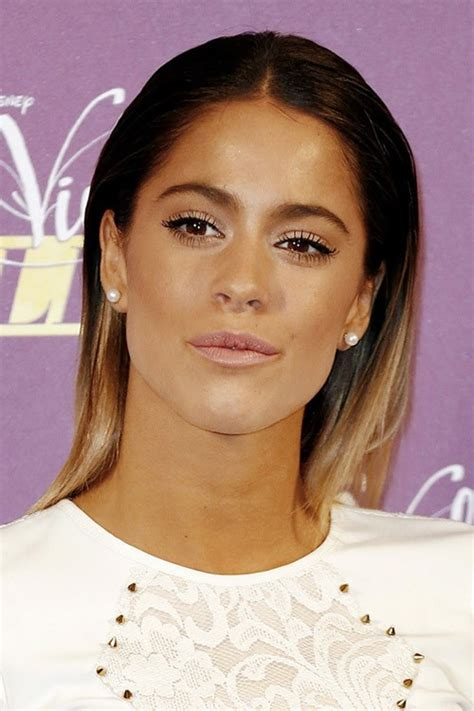 martina stoessel 2015 martina stoessel s hairstyles hair colors steal her style