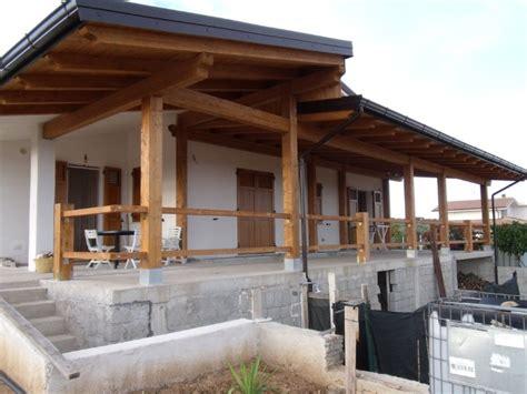 montaggio tettoia in legno tettoia in legno coperture in legno lamellare