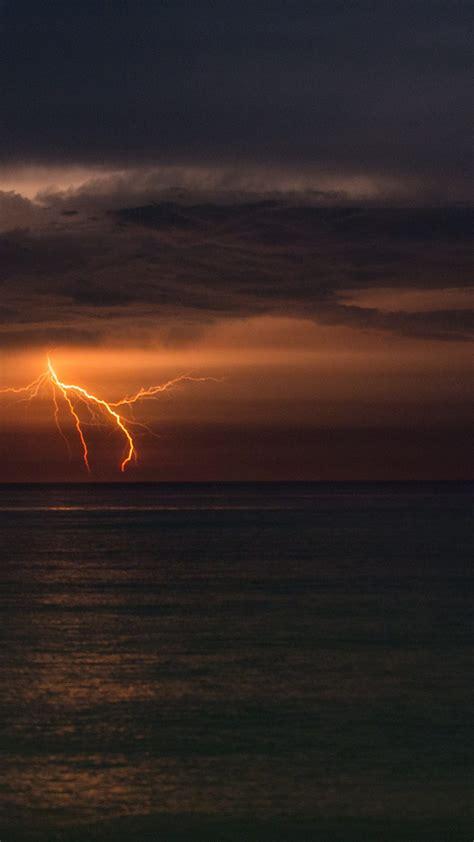 lightning  sea  uhd wallpaper