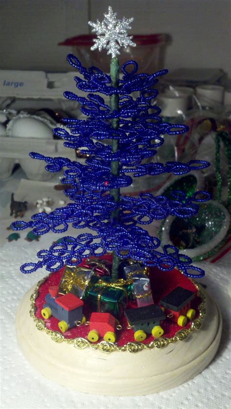 glass seed bead christmas tree scene christmas projects