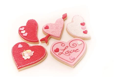 how to make valentines cookies valentine s day cookie decorating