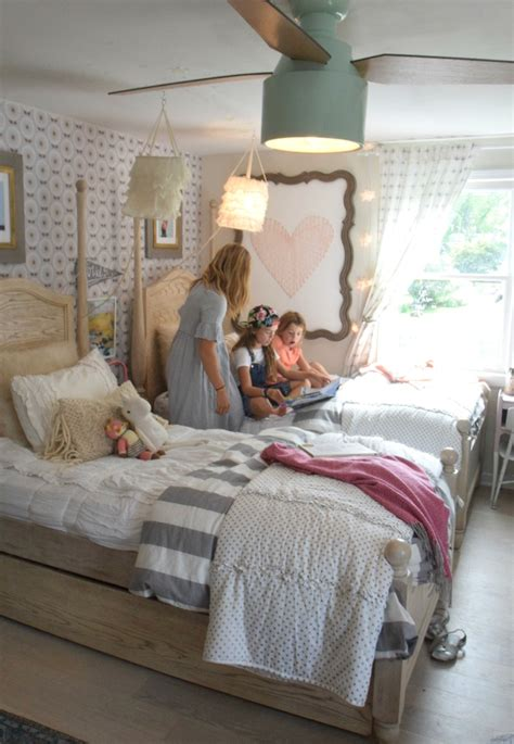 girls bedroom wallpaper ideas wallpaper accent wall in the girls shared bedroom again