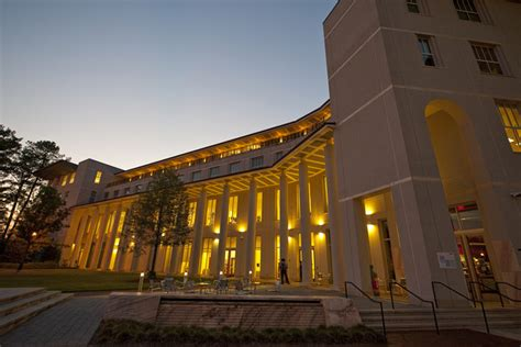 How To Get Into Emory Mba by Evmba Climbs To No 13 In U S News Ranking