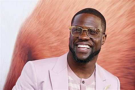 kevin hart kevin hart beats out jerry seinfeld on forbes highest