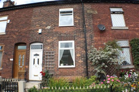 2 bedroom house for sale in manchester 2 bedroom terraced house for sale in manchester old road