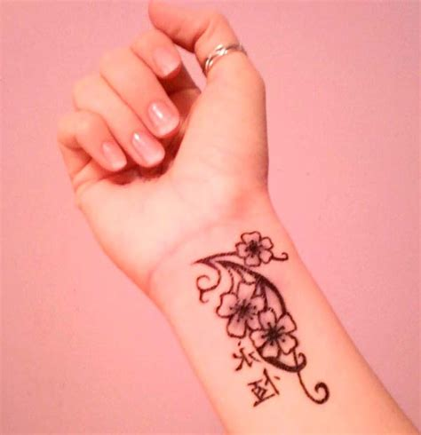 imagenes tatuajes en la muñeca para mujeres tattoo mu 241 eca tatuajes