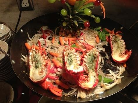 seafood buffet oahu lobsters