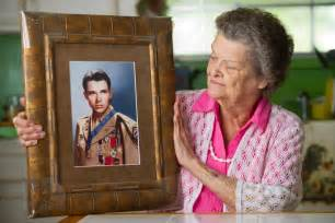 lawmakers trying again to award medal to audie murphy
