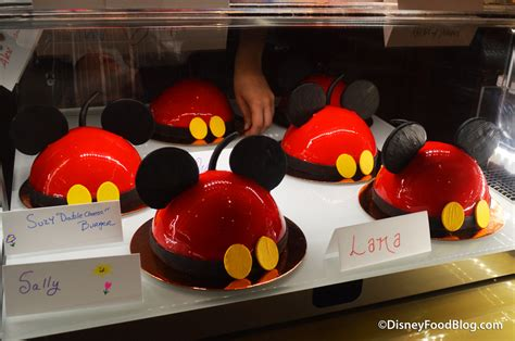review cake decorating experience  amorettes patisserie  disney springs  disney food blog