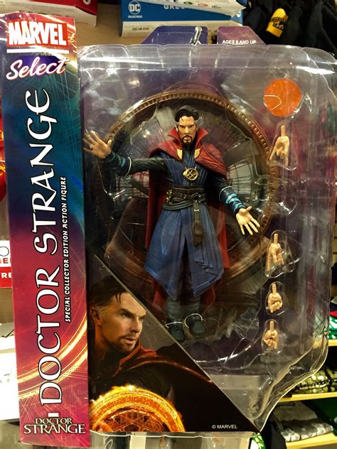 Stock Akhir Figure Doctor Strange marvel select doctor strange figure released
