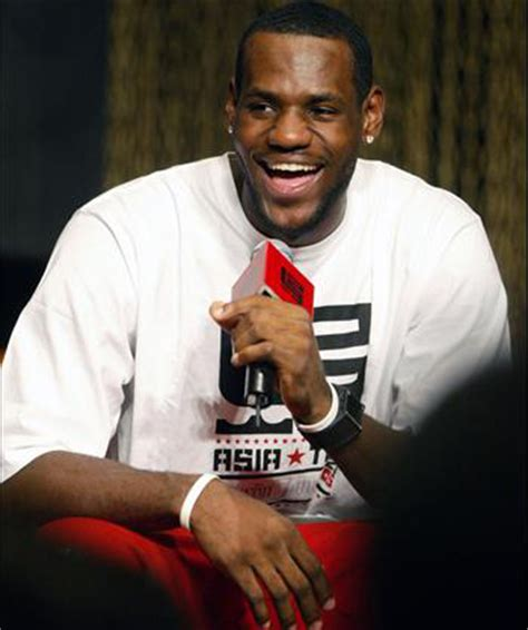 lebron james biography in spanish people s daily online nba player lebron james visits