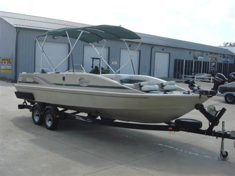 lowe deck boats for sale used used 2001 lowe 224 deck boat warsaw mo 65355