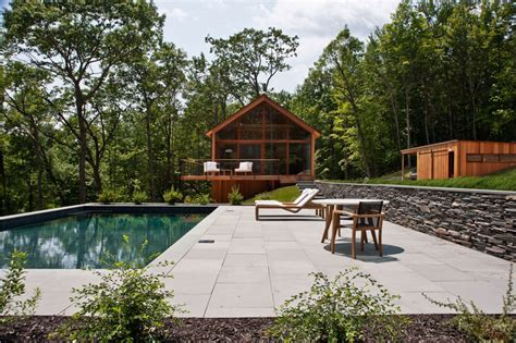 modern mountain house designs build with natural material modern catskills mountain home blends with the natural