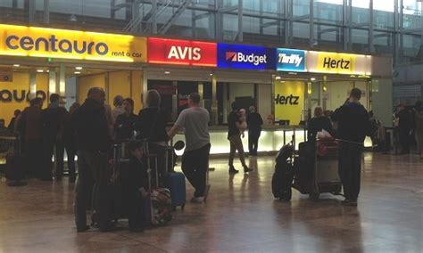 Compare car and minibus rental prices at Alicante Airport