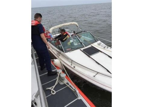 boat lift odenton md coast guard tows disabled boat off rocks into annapolis