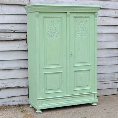 chalk paint equivalent 1000 images about chalk painted wardrobes on