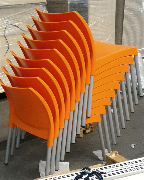 sedie arancioni sedie arancioni scaffali usati compravendita