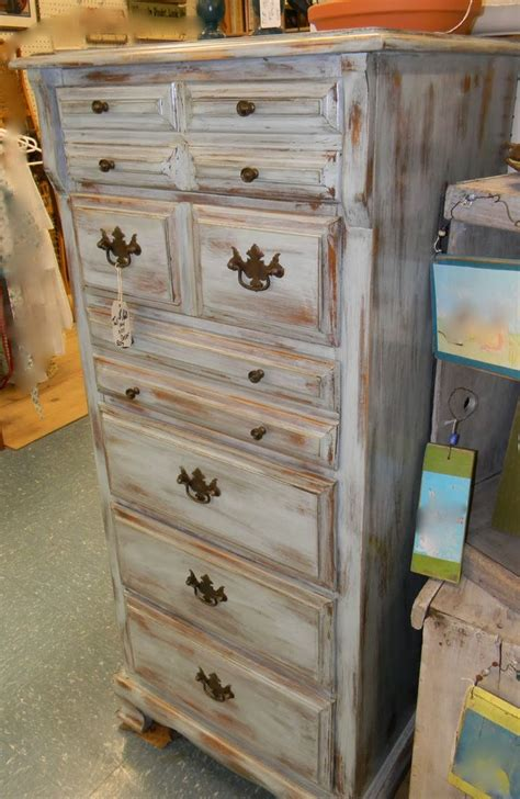 25 best ideas about distressed 25 best ideas about white distressed furniture on chalk paint furniture distressed