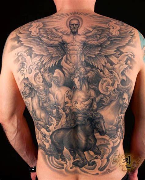 35 hermosos tatuajes de angeles