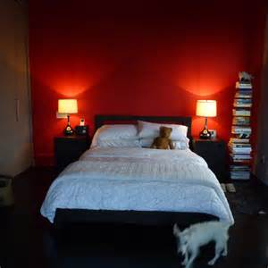 martha stewart show 171 the juice how to simply decorate your red bedroom walls