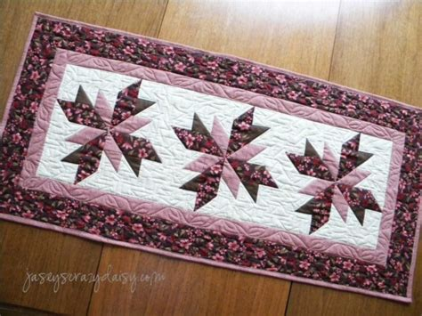 floral quilted table runner jasey s crazy daisy