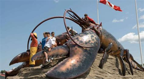 worlds largest the world s largest lobster