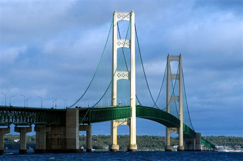 mighty mac the bridge that michigan built books mackinac bridge mighty mac photograph by glenn mcgloughlin