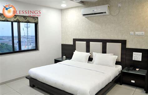 rooms in dwarka krishna inn hotel room types