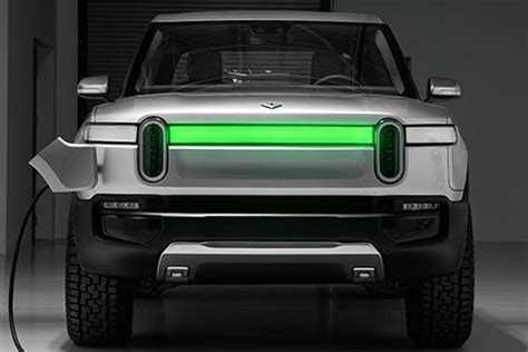 rivian rs suv revealed pictures auto express