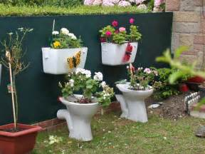 Potty Planters by 20 Great Ideas For Creative Gardening Using Containers You