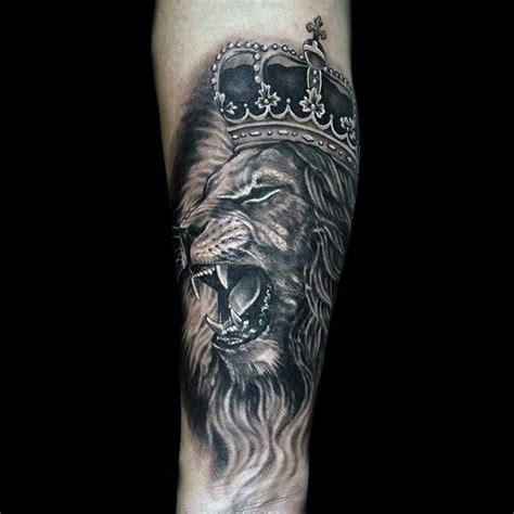 unique lion tattoo designs best 25 crown ideas on mens