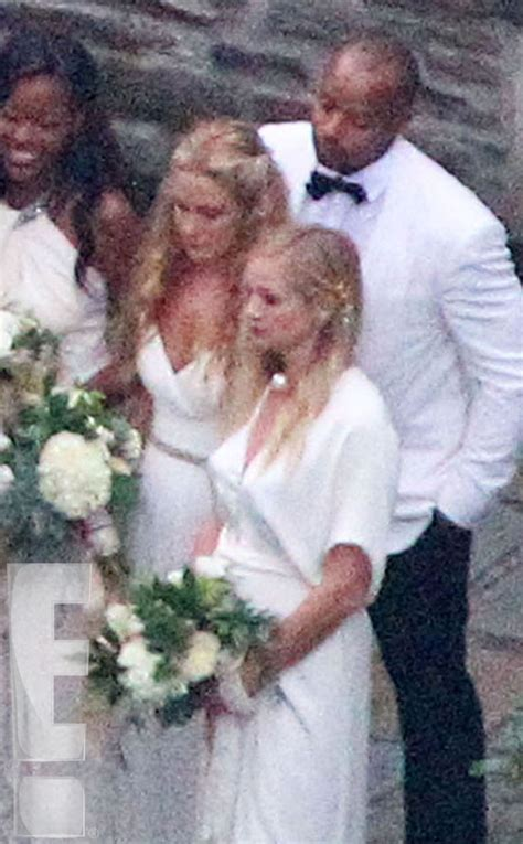 ashlee simpson weds evan ross at diana ross estate first photos from diana ross son evan s wedding to ashlee