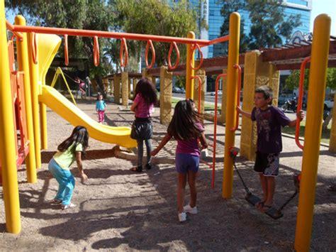 imagenes de niños jugando reales ni 241 os jugando en un parque imagui