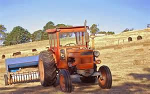 Fiat Tractors For Sale Australia File Fiat Tractor Baling Hay In Australia Jpg